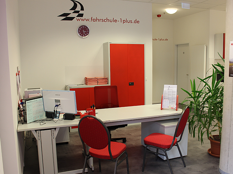 Fahrschule 1plus, Büro München Neuperlach. Fahrschule München