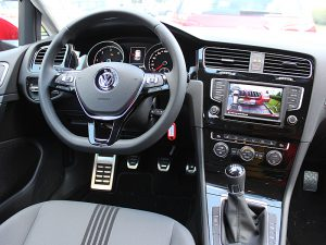 Fuhrpark - Fahrzeuge, Fahrschule 1plus, VW Golf 7 Cockpit