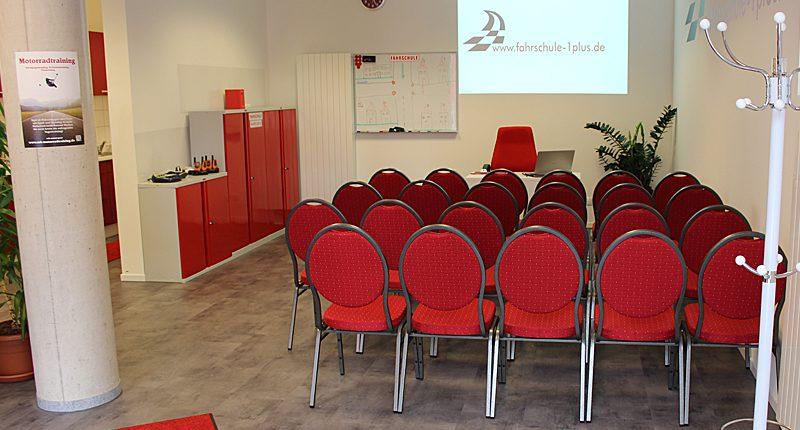 Unterricht Fahrschule 1plus München-Neuperlach Unterrichtsraum
